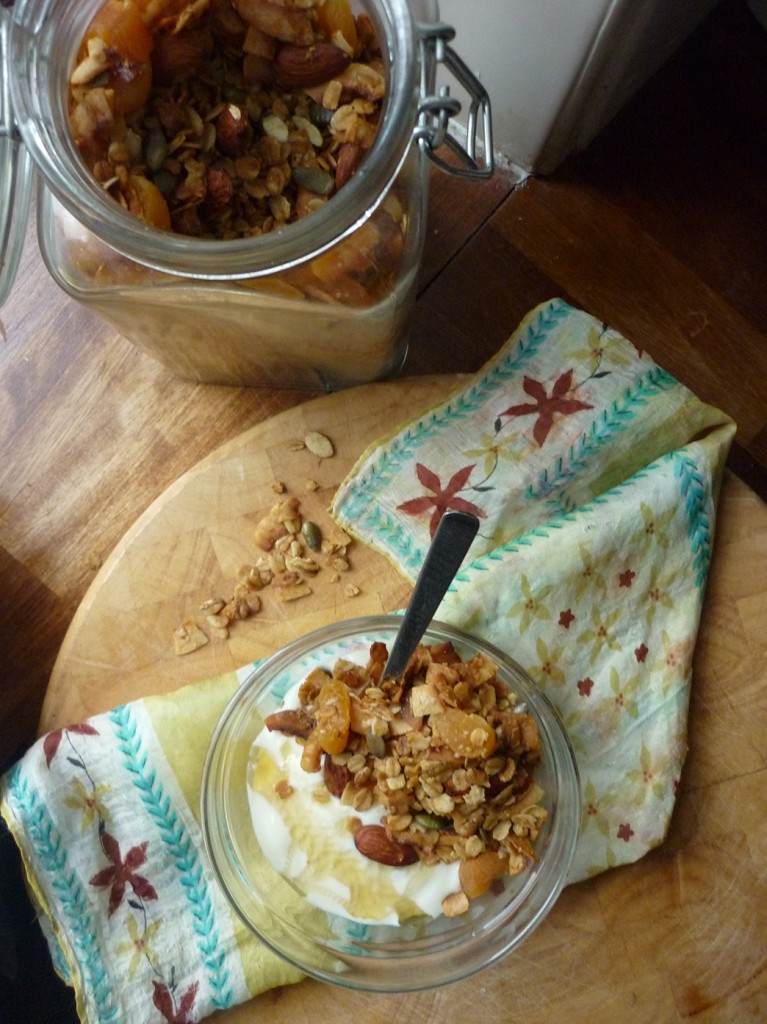 coconut almond granola 07