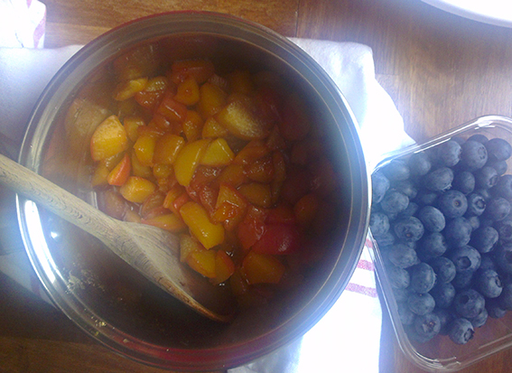 peach blueberry pie 4