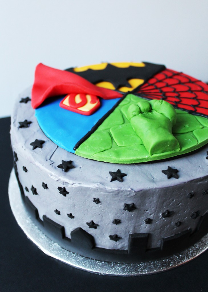 SUPERHERO CAKE 5
