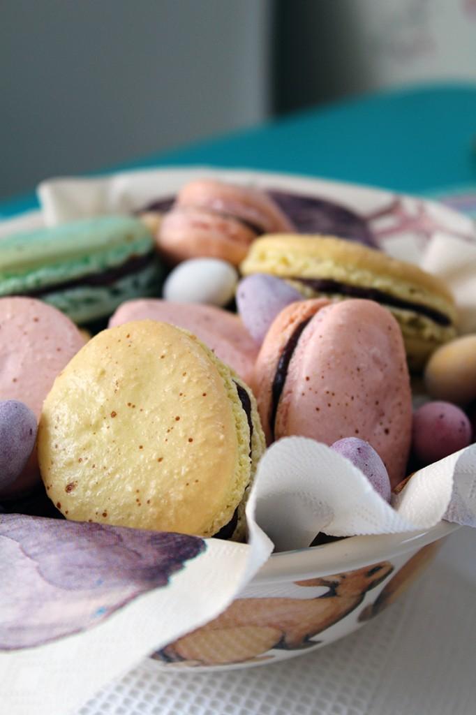 easter macarons 3