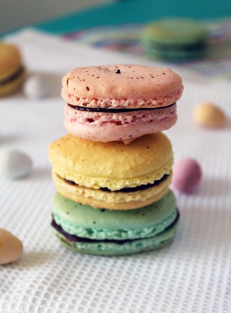 easter macarons 4