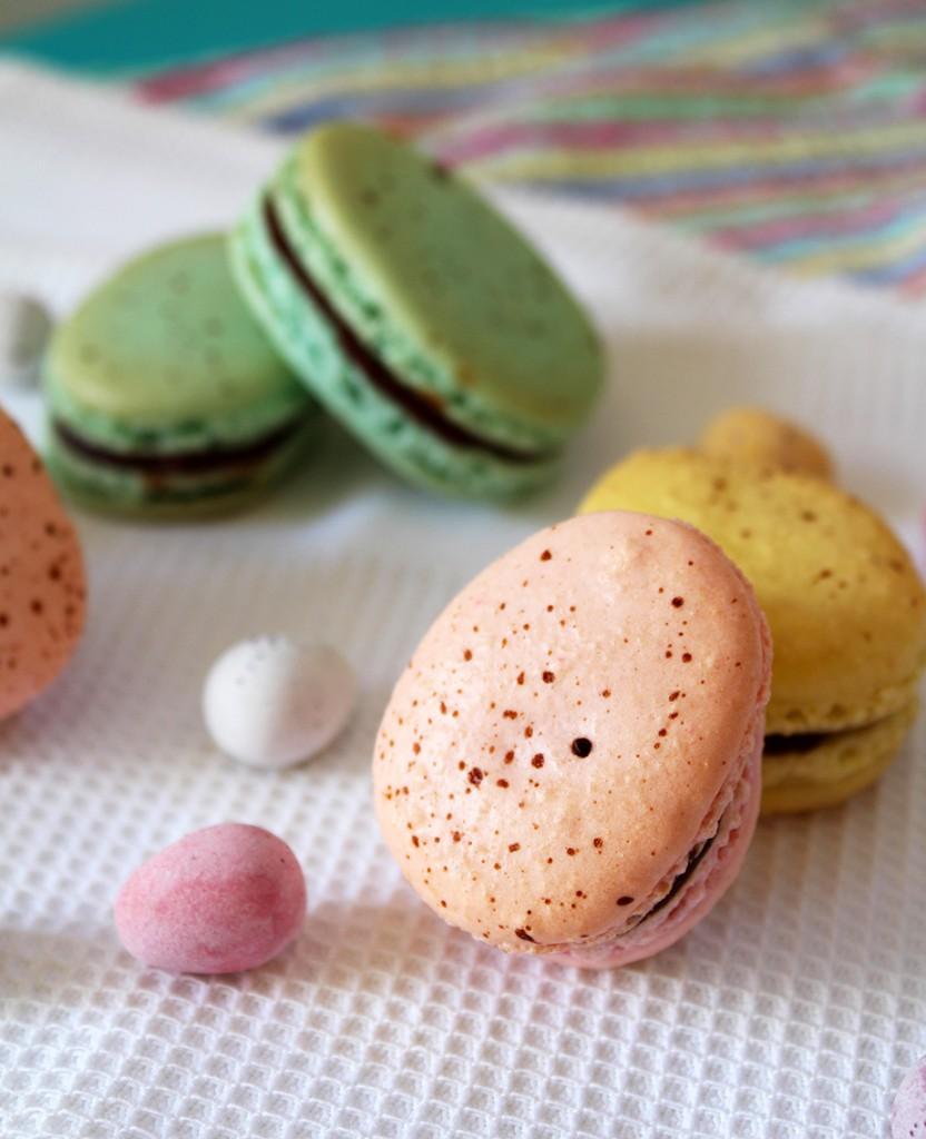 easter macarons 6