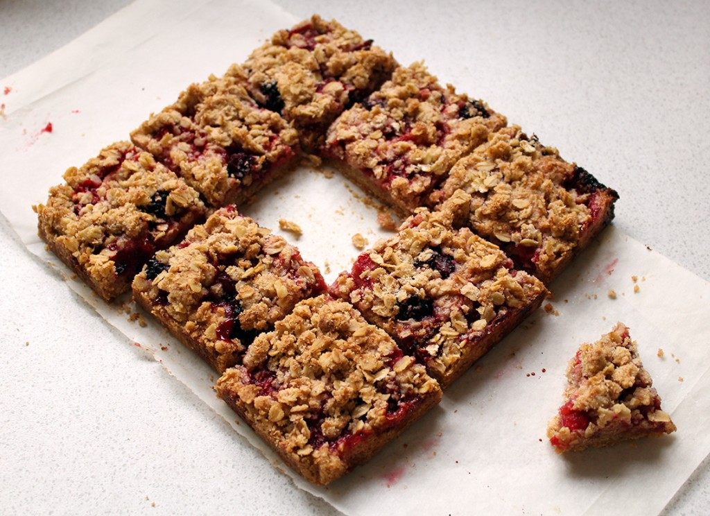 strawberry crumble bars 3