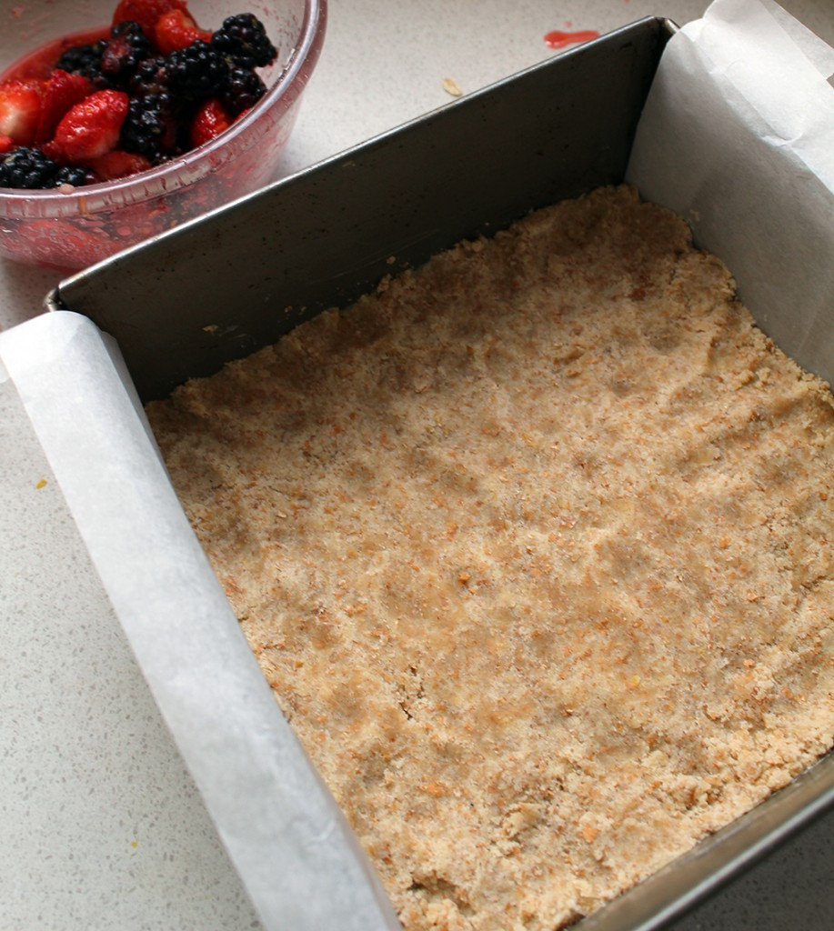 strawberry crumble bars 9