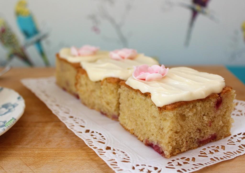 strawberry mini cakes 3