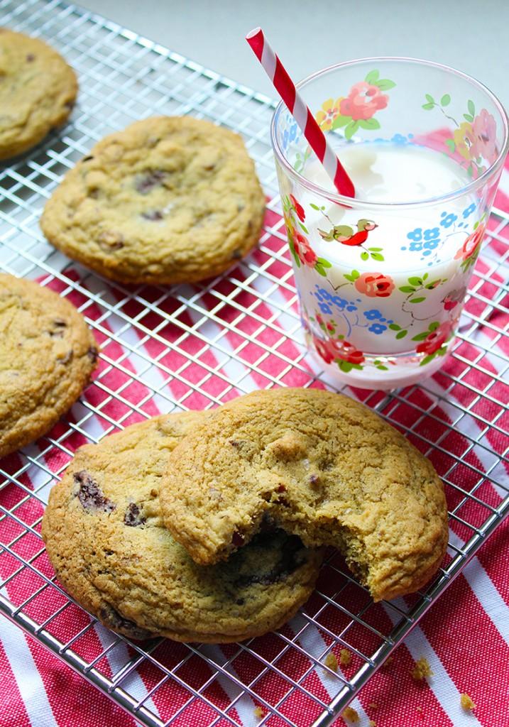 chocolate almond cookies 2