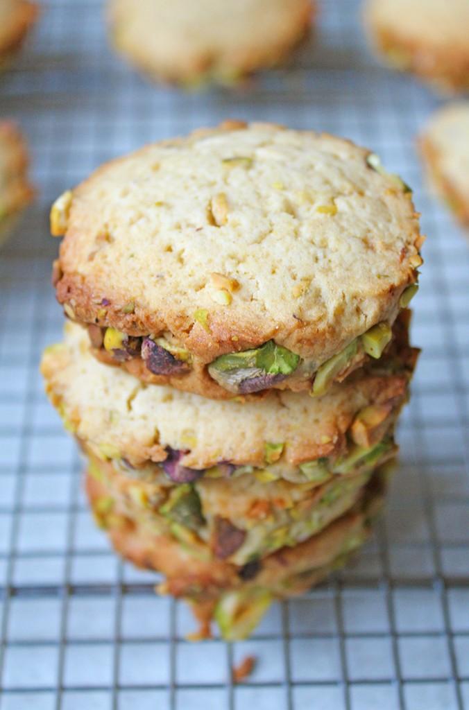 pistachio-biscuits-3