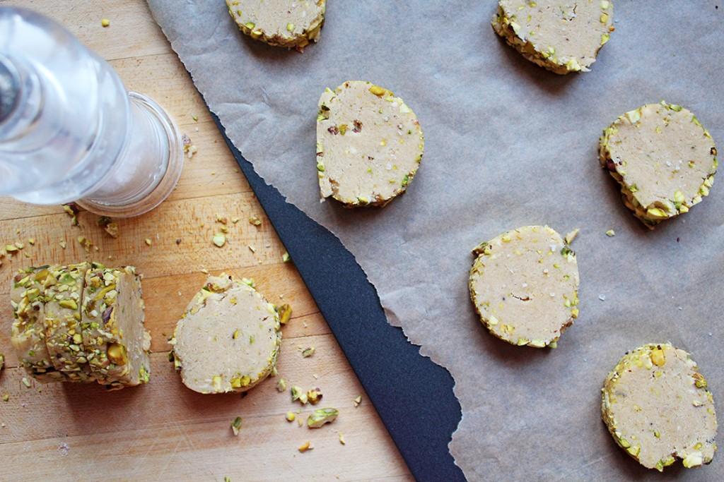 pistachio-biscuits-4